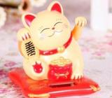 Solar-Powered Fortune Cats