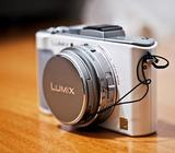 WHITE PANASONIC LX 5